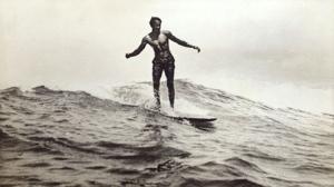 Duke_Kahanamoku_Waikiki_1910