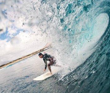 Masito sigue practicando surf. Foto: archivo Máximo Sosa
