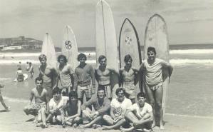 Grupo de Gijón. Amador sentado, segundo por la derecha.