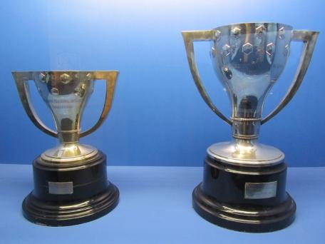 En San Sebastián uno se puede ir de pintxos o de copas. He aquí un ejemplo de lo segundo, las dos de Liga que ganó la Real a principio de los 80.  Todavía hay gente que daría positivo en un control por el efecto de éstas.